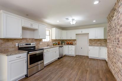 Kitchen(2).jpg