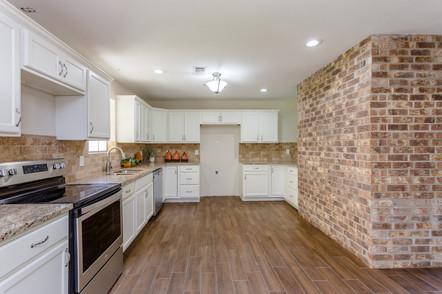 Kitchen(3).jpg