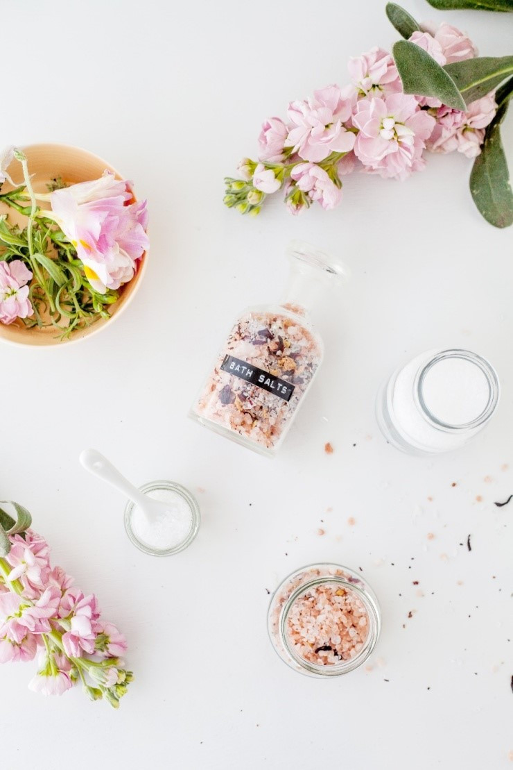 Bath salts and other detox ingredients