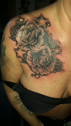 Flower Tattoo Brust