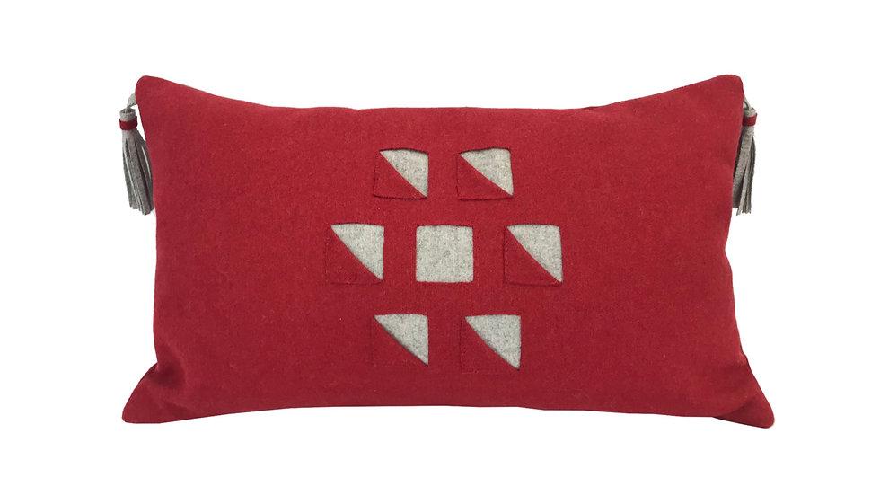 Kissen mit Quasten, rot