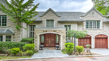 Luxury 5BR Villa w/Pool & Jacuzzi in Westmount Montreal