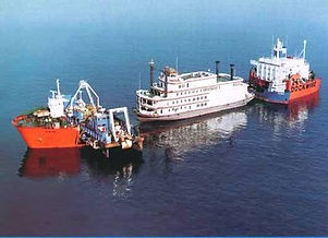 Semisubmersible Shipping Yachts and Vessels