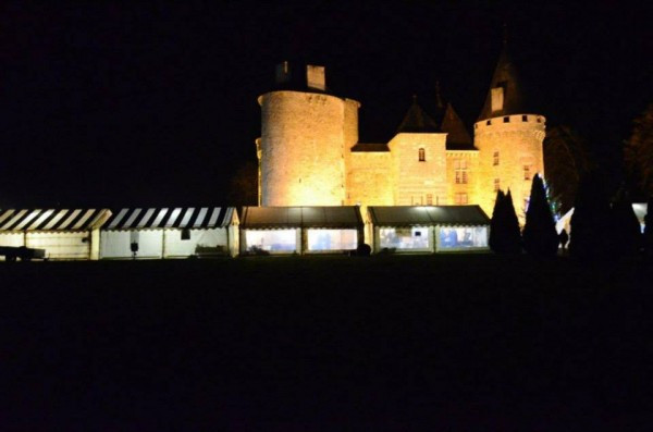 Nighttime at the Marché de Noël at the Château de Bonneval