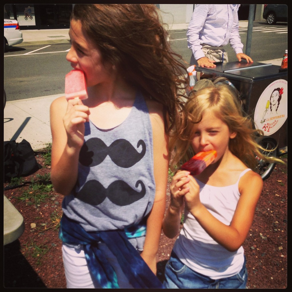 Maddie & Tessa with La Newyorkina Pops