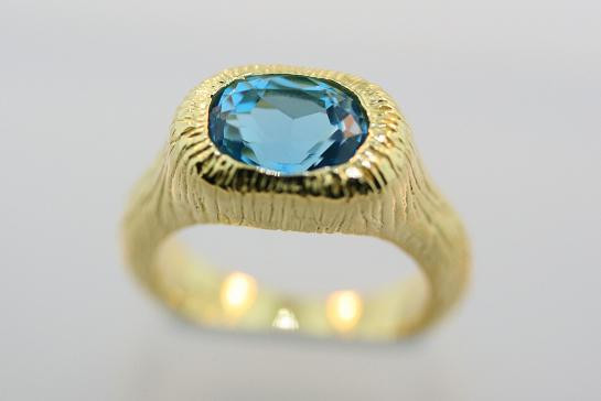 Atlantis Jewelry Blue Topaz Ring in Gold Vermeil