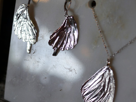 Alyxia Leaf Jewelry: Adorn Yourself With Flora and Fauna