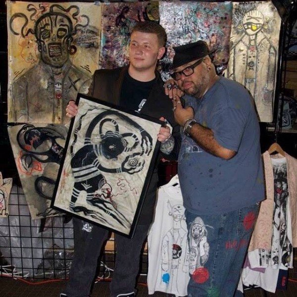 Artist Irixx Screen (right) and a happy customer
