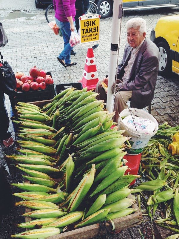 Berkant Selling Corn
