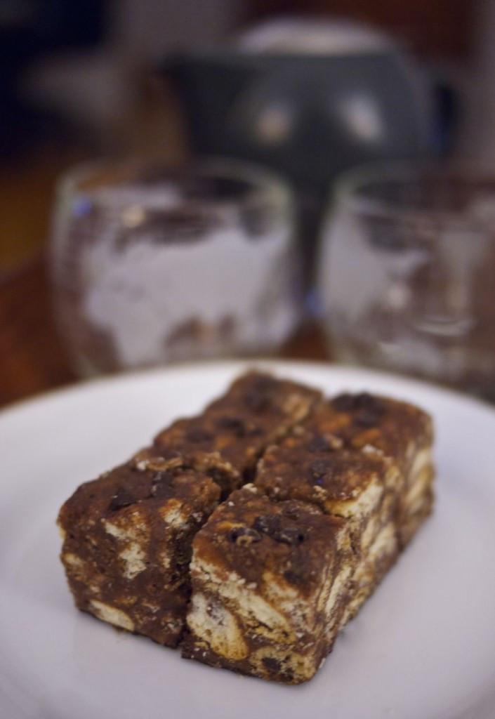 LazyLooz No Bake Biscuit Cake
