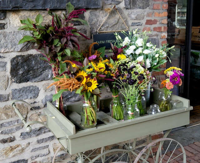 Garden flower cart at the entry to the gift shop