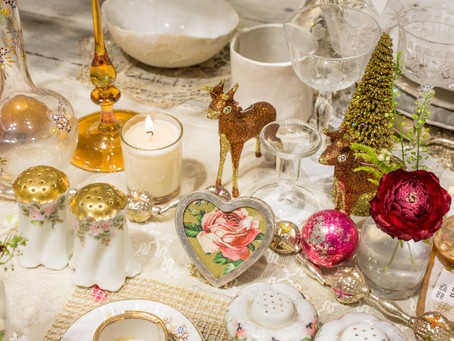 Wonderful Vintage Charm For Your Holiday Table at abcmkt