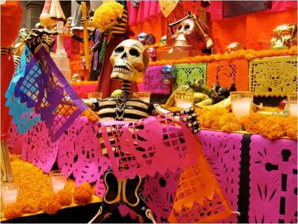 Dia de Los Muertos Market (Photo courtesty of La Sirena Mexican Folk Art)