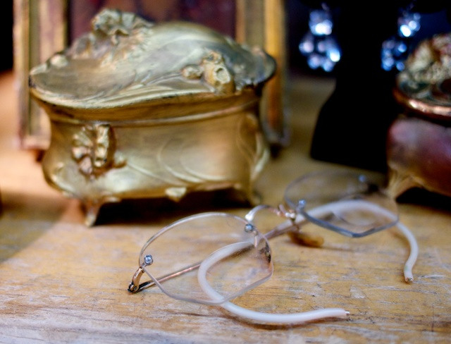 Vintage jewelry box and spectacles - Abbottkinney at the Antiques Garage
