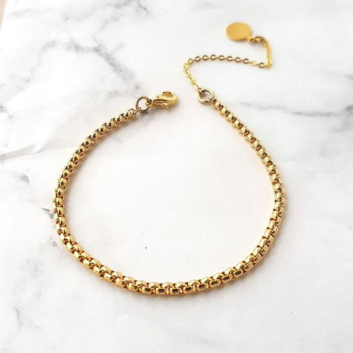 Gold Dainty Box Bracelet