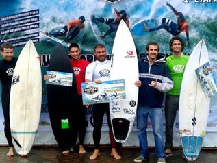 Imbituba Surf Tour: sob chuva e boas ondas, Ximenes vence em Imbituba