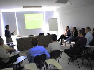 Sicredi Sul SC apresenta Programa de Educação Financeira à Acim