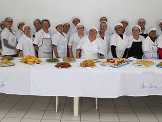 Serventes e merendeiras recebem capacitação em Imbituba