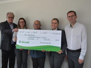 Sicredi entrega prêmios aos ganhadores da Promoção Poupar e Ganhar