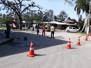 Departamento de trânsito implantanova sinalização no Portinho da Vila