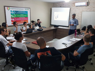 Plano de ação é tema de oficina para jovens empresários de Imbituba