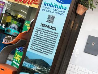 Fotos de artistas locais foram espalhadaspelo Calçadão da Rua Nereu Ramos