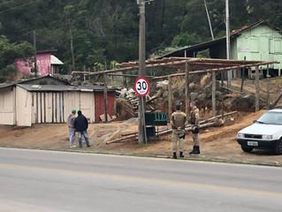 Obra irregular é desmanchada em Imbituba