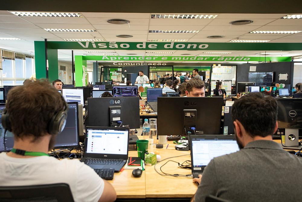 Um dos espaços utilizados na sede do Sicredi, em Porto Alegre (RS), para interação com startups  Foto: Divulgação