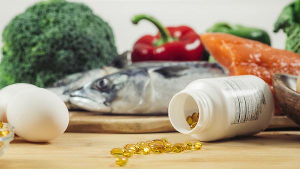 vitamin-d-gel-capsules-and-natural-sourc