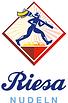 Logo Riesa_Schriftzug+Raute_hoch_rgb_bla