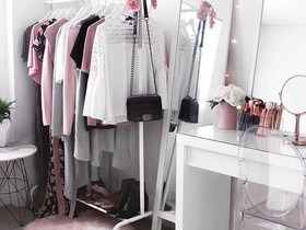 Make life easier with a Capsule Wardrobe