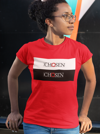 round-neck-tee-mockup-of-a-girl-looking-