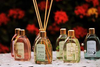 Linha GOLD Difusores de ambiente com varetas 220ml · Essência Real Empório · Conheça nossas fragrâncias, você vai amar!