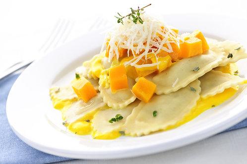 Raviole au fromage, sauce au jambon cru