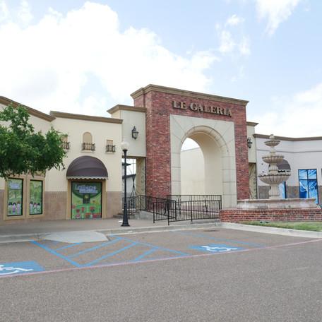 Le Galeria Centre
