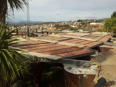 Construcción de la Terraza Principal Suspendida en el Aire