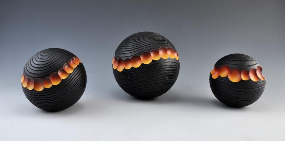 Serie waves black colour.JPG