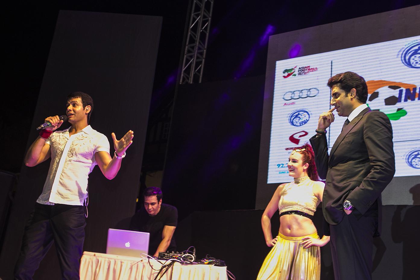 Sandeep & Sanjeev with abhishek Bachchan 1