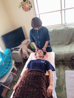 月に一度の鍼灸施術