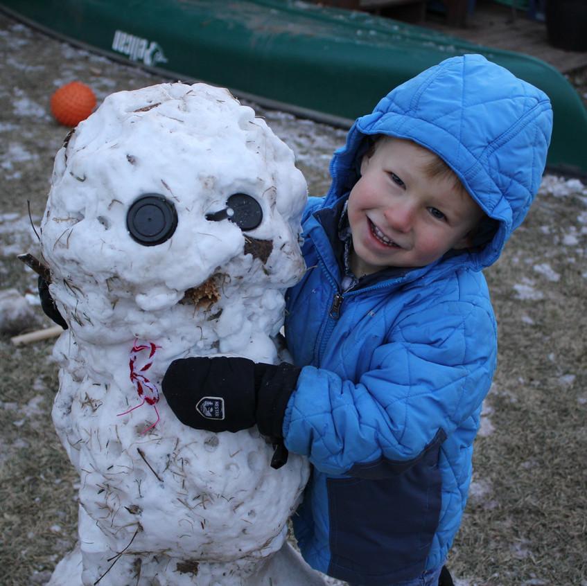 C loves the snowman
