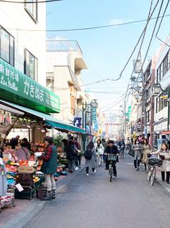 商店、住まい、町工場が混在した風景:梅屋敷商店街