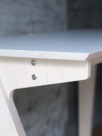 shobotによるカスタマイズ家具:dogbone