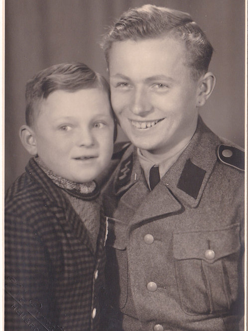 SS Portrait SS Mann with little brother