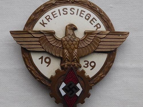 Hitlerjugend Kreissieger 1939 Badge