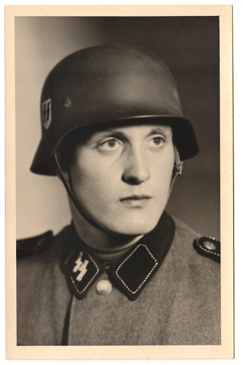 SS Portrait with helmet in wear