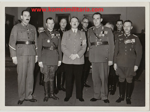 Hoffmann Press Picture Adolf Hitler posing with Axis delegation