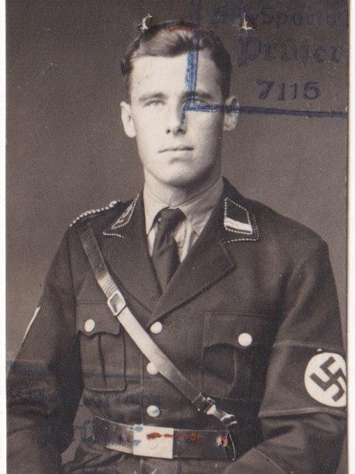 Portrait passfoto Allgemeine SS,  photo studio in Dachau