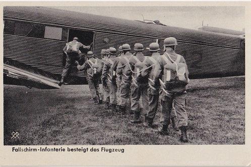 Fallschirmjäger-Infanterie (FIK) postcard