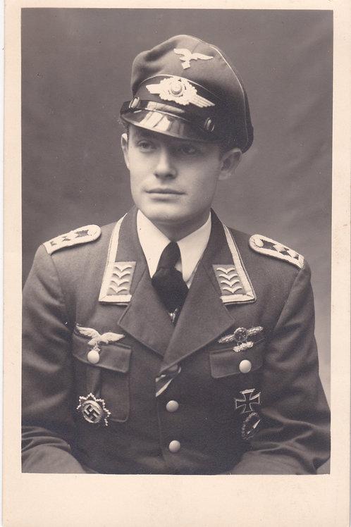 Portrait DKIG-Holder Oberfeldwebel mit Frontflugspange in Gold