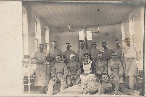 1. WK AK Krankenschwerster mit Malteser Kreuz und Ärmelband